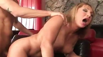 Experienced bitch Fucks with the neighbor′s pepper in your living room