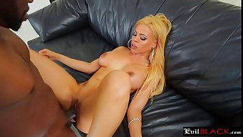 On large heels gave to fuck in pussy shaven Negro